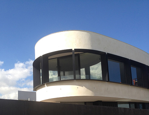 an image of U-MAX energy efficient thermally broken window systems installed in a Melbourne home