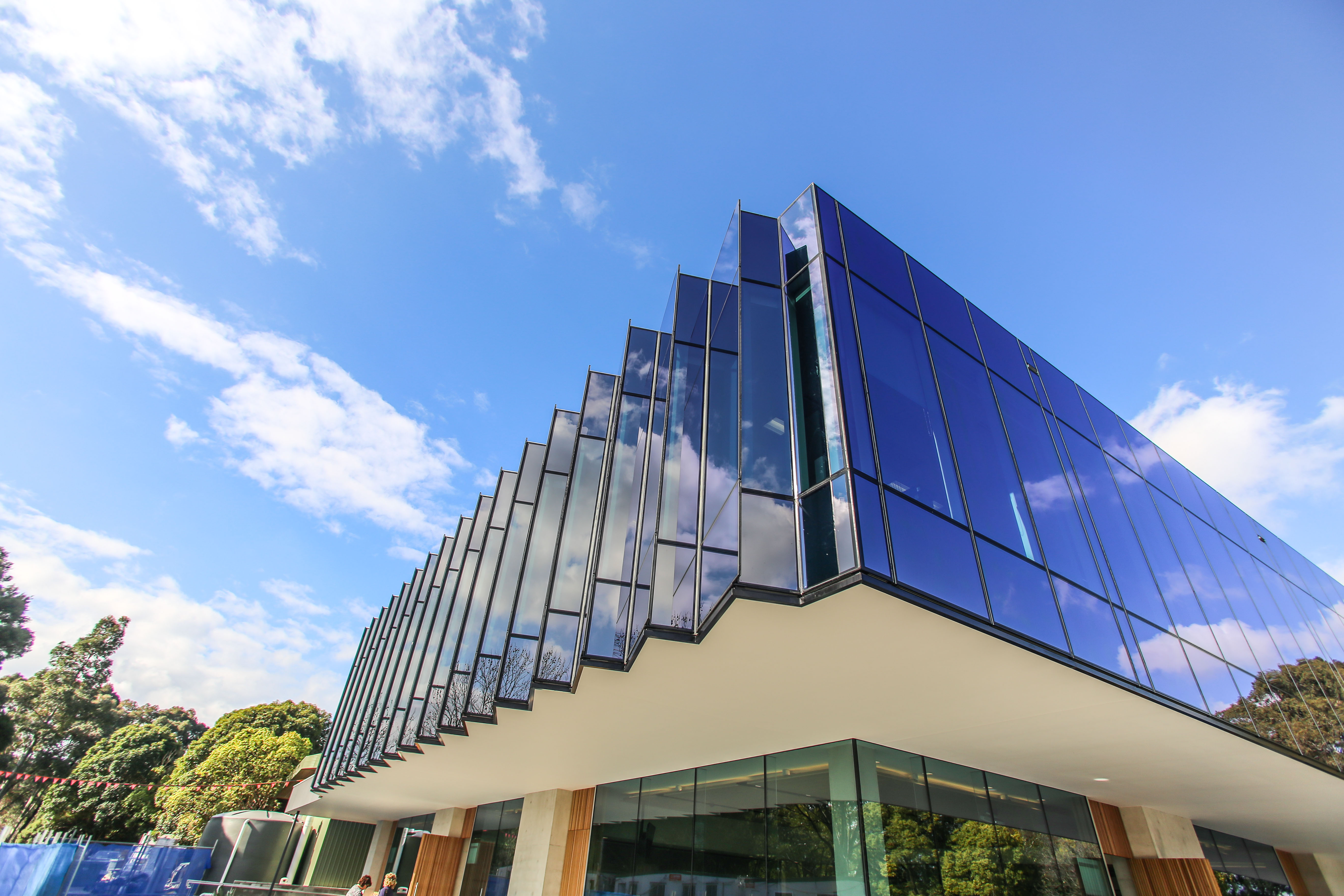 Architectural Glazing Systems : Introducing the clarence reardon centre edge