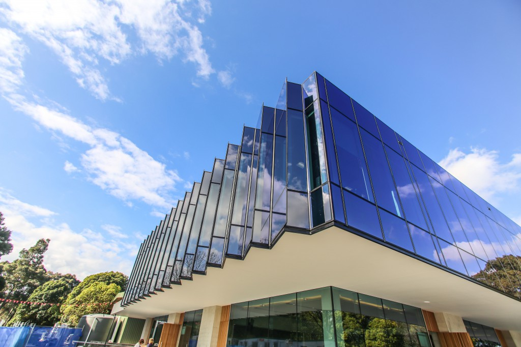 Glazing Framing Systems : Prima pearl edge architectural glazing systems