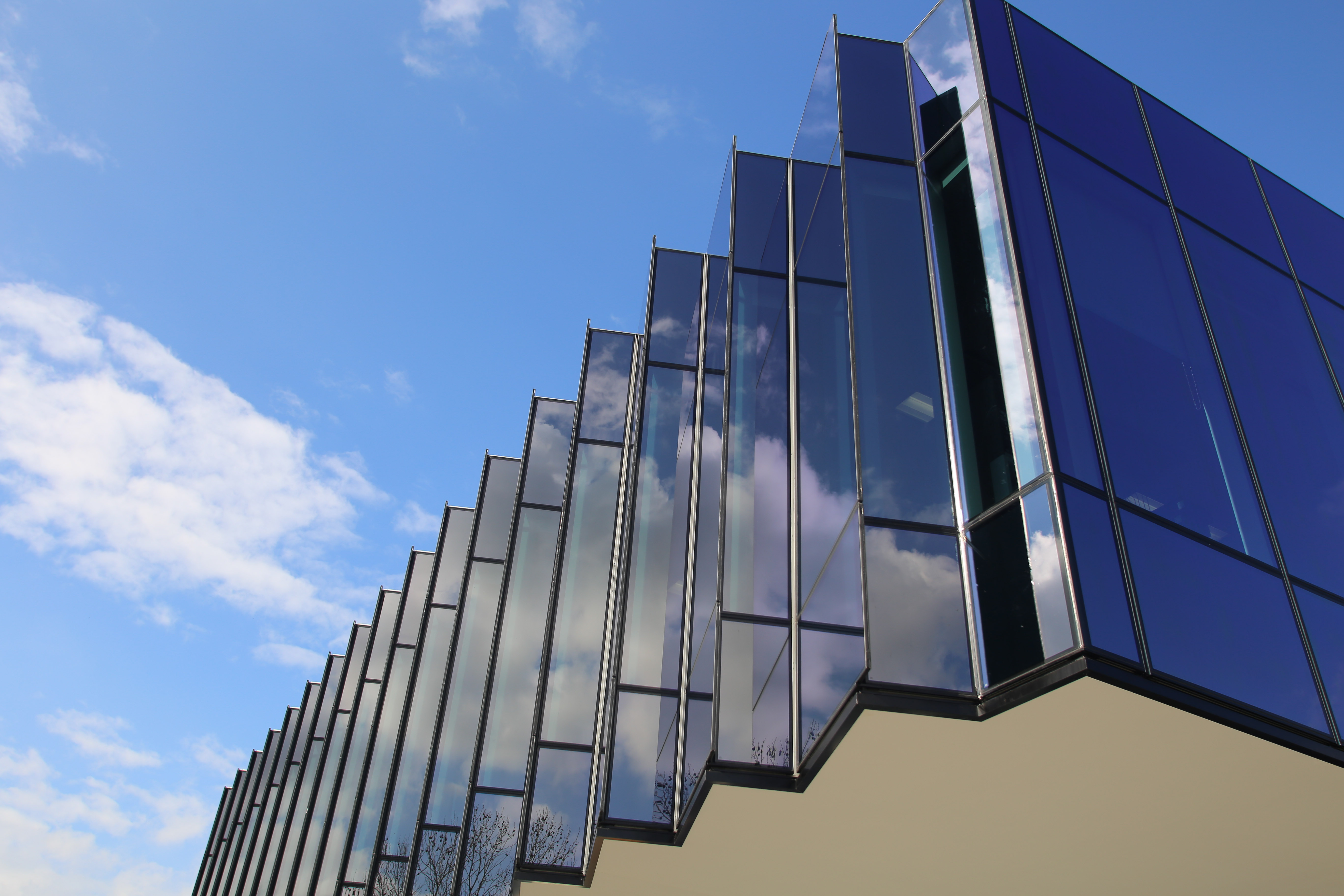 Structural Glass Design : Looking back on with edge architectural