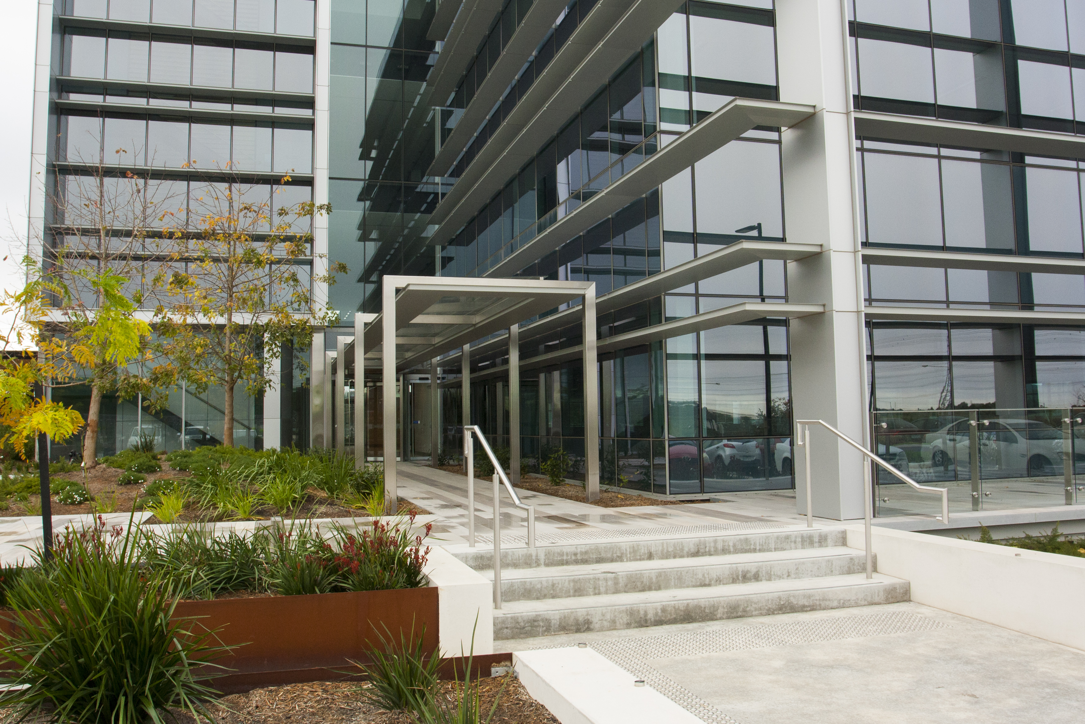 Architectural Glazing Systems : Edge architectural glazing systems