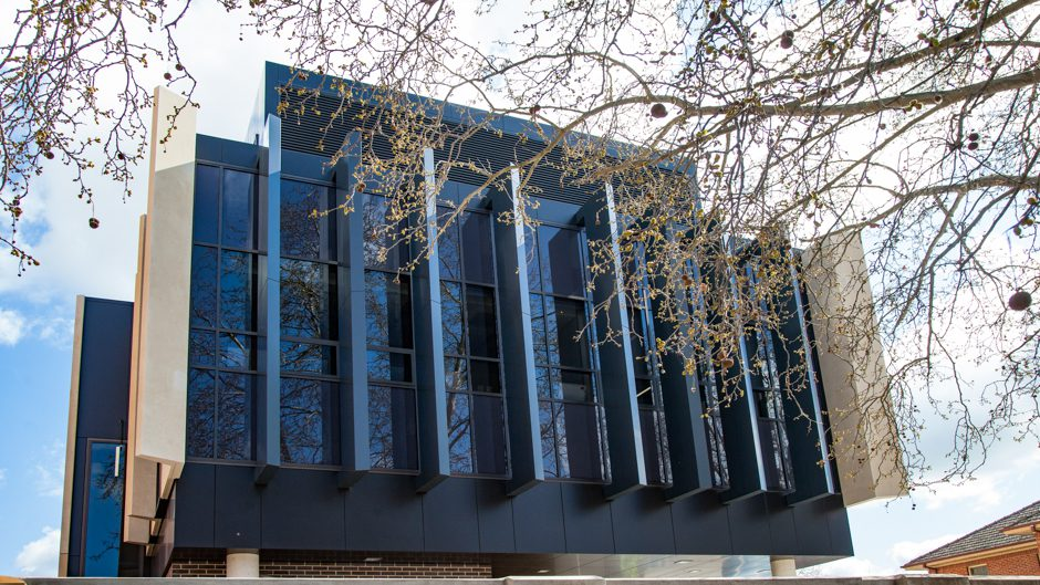 Architectural Glazing Systems : Wagga courthouse edge architectural glazing systems