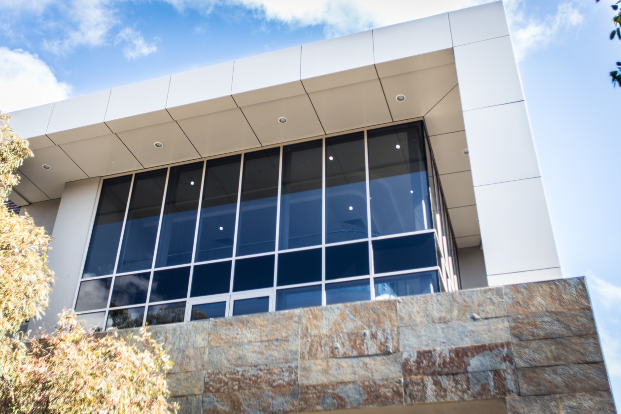 Architectural Glazing Systems : Bluecross ivanhoe edge architectural glazing systems