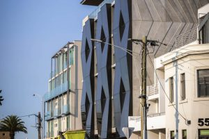 Alumuna Residences 7 - EDGE Architectural Glazing Systems. Thermally broken window systems